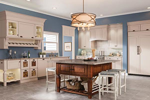 Luxe Transitional KraftMaid Kitchen