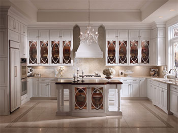 KraftMaid Cabinets Palladia with Bistro Glass