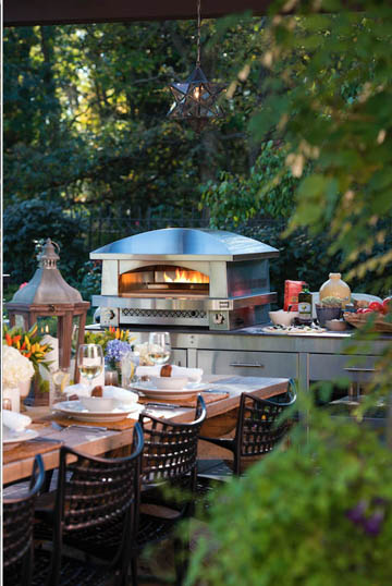 Artisan_Fire_Pizza_Oven_2014_w_tablescape_Kalamazoo_Outdoor_Gourmet