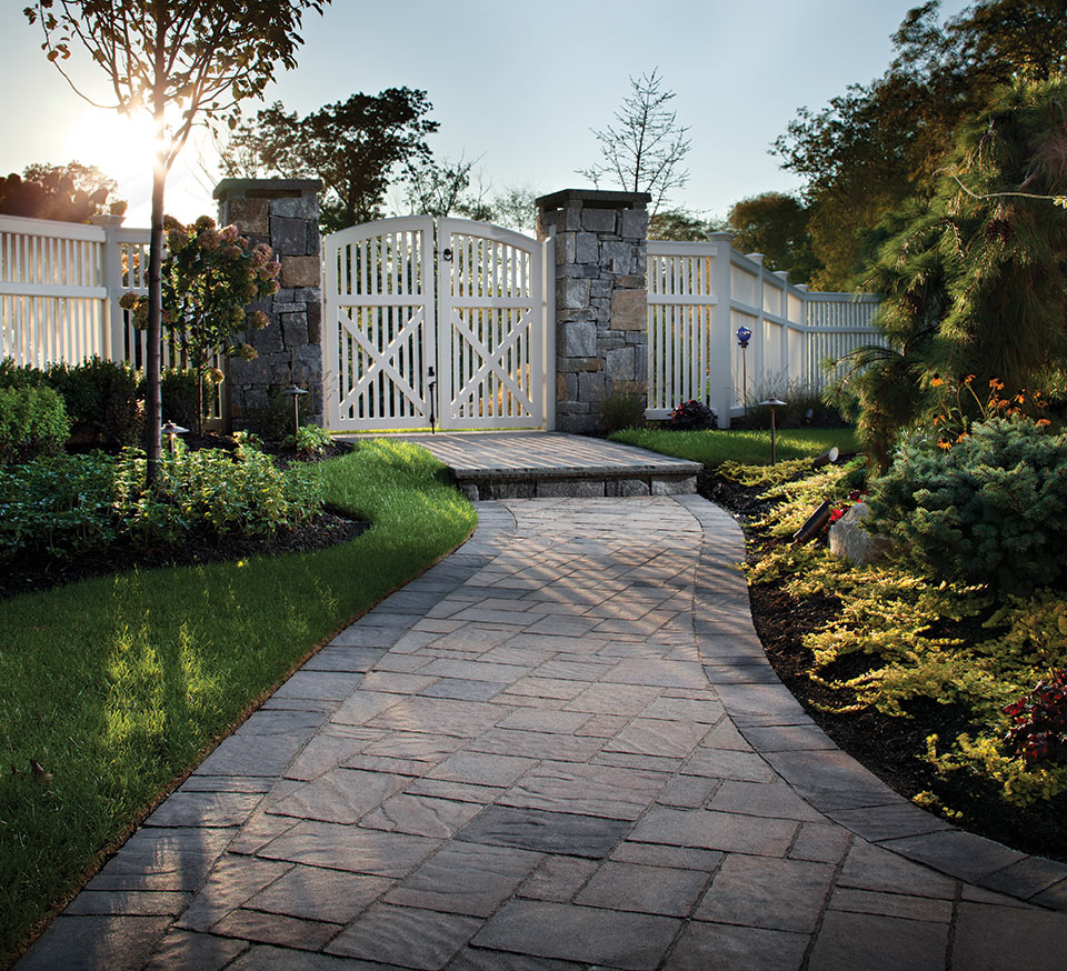 5 gorgeous walkway materials to consider before building for Belgard urbana pavers