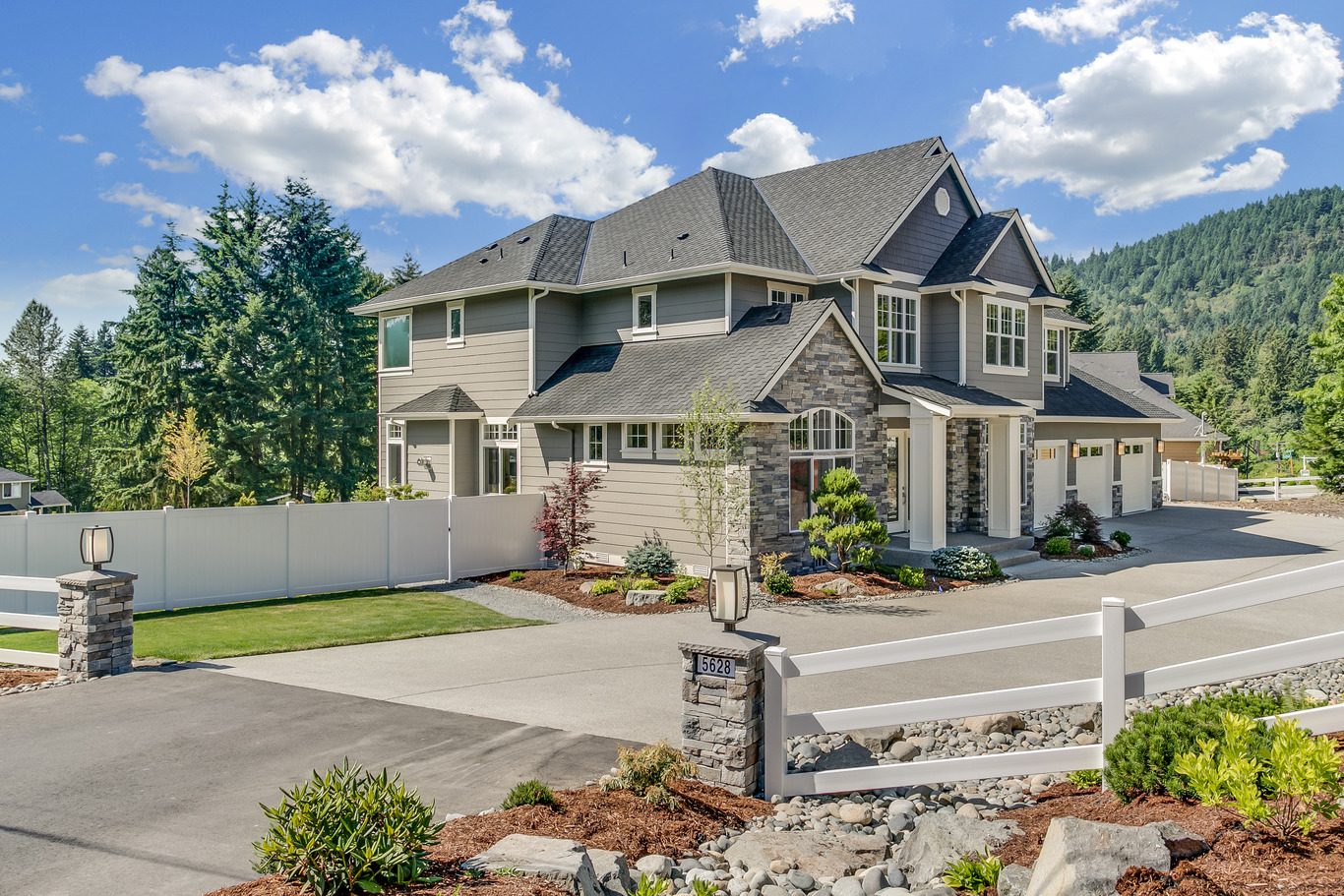 How to sell your existing home for top dollar the house designers make sure your home looks good from all angles landscaping is very important so be sure to use greenery thats easy to maintain and looks great in all malvernweather Choice Image