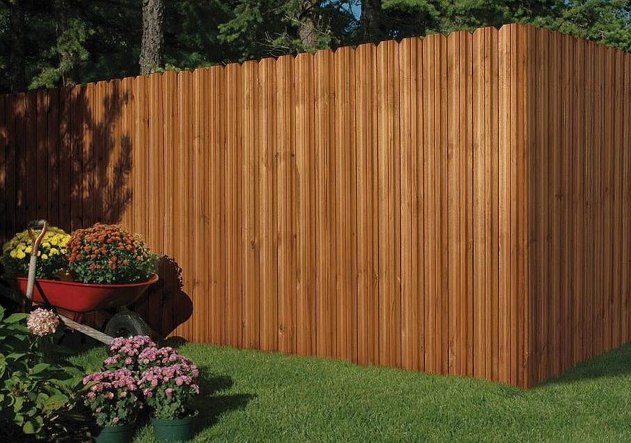 Wood board privacy fencing