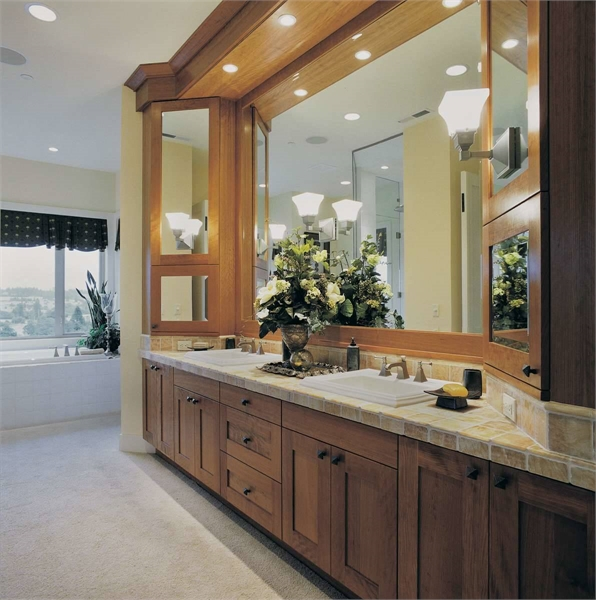 Plan 4617 - Master Bathroom
