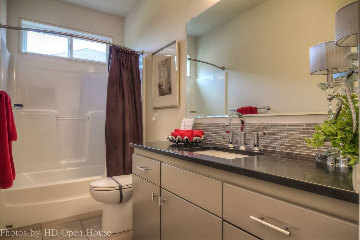 Plan 5204 - Bathroom