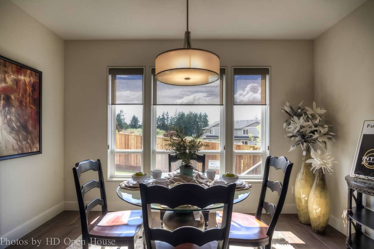 Plan 5204 - Dining Room