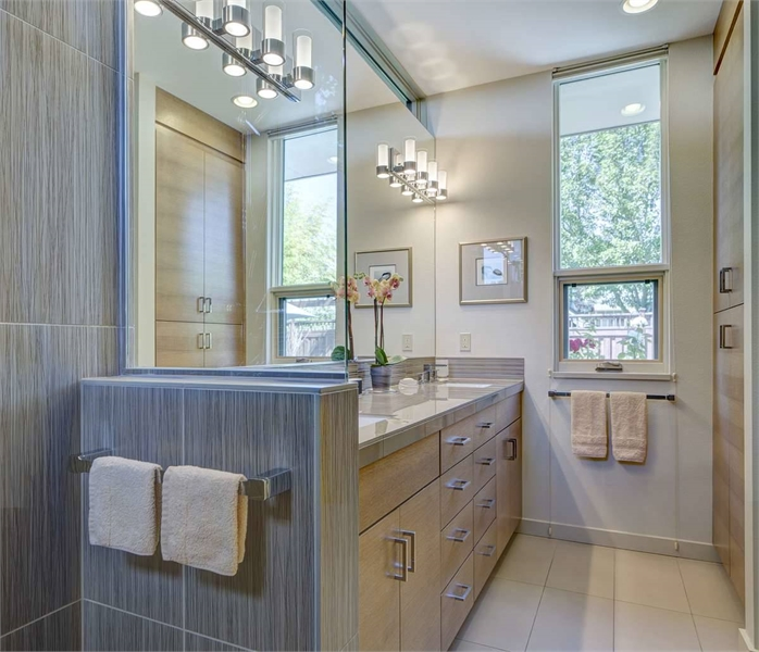 Plan 8301 - Master Bathroom