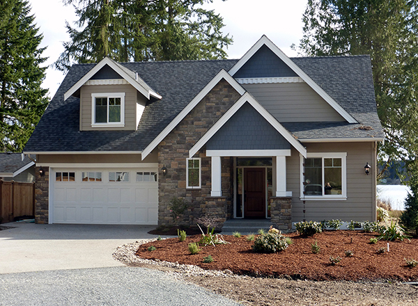 Craftsman four bedroom house plan for 2 bedroom lake house plans