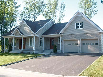 Cowichan 3331 3 bedrooms and 2 5 baths the house designers Over the garage master bedroom plans