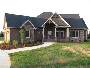 small Craftsman house plan