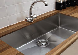Functional, Stylish Kitchen Sinks