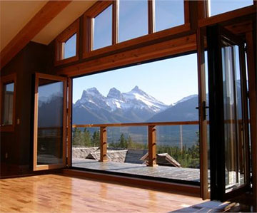 4. Glass Walls That Open to the Outdoors
