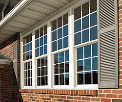 Simonton® Windows with Decorum®