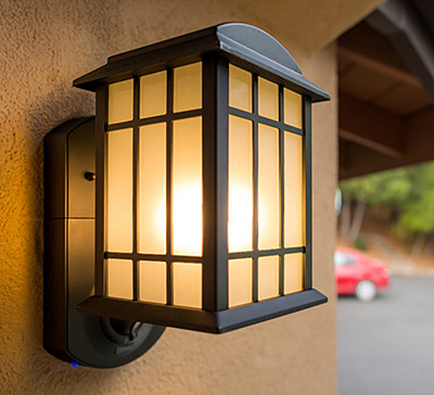 A Security Light That Connects You to Home 24/7